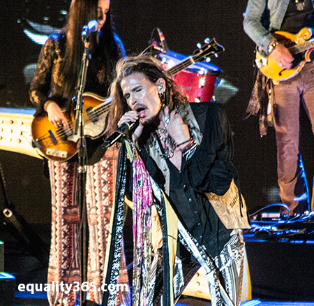 """Steven Tyler Took Seattle """"Out On A Limb"""""""
